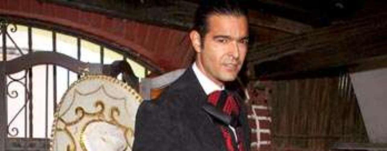 Pablo Montero como un sexy charro causó la locura en Ciudad de México.