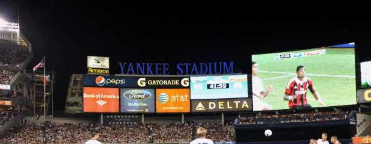 Imagen panorámica del partido en el Yankee Stadium.