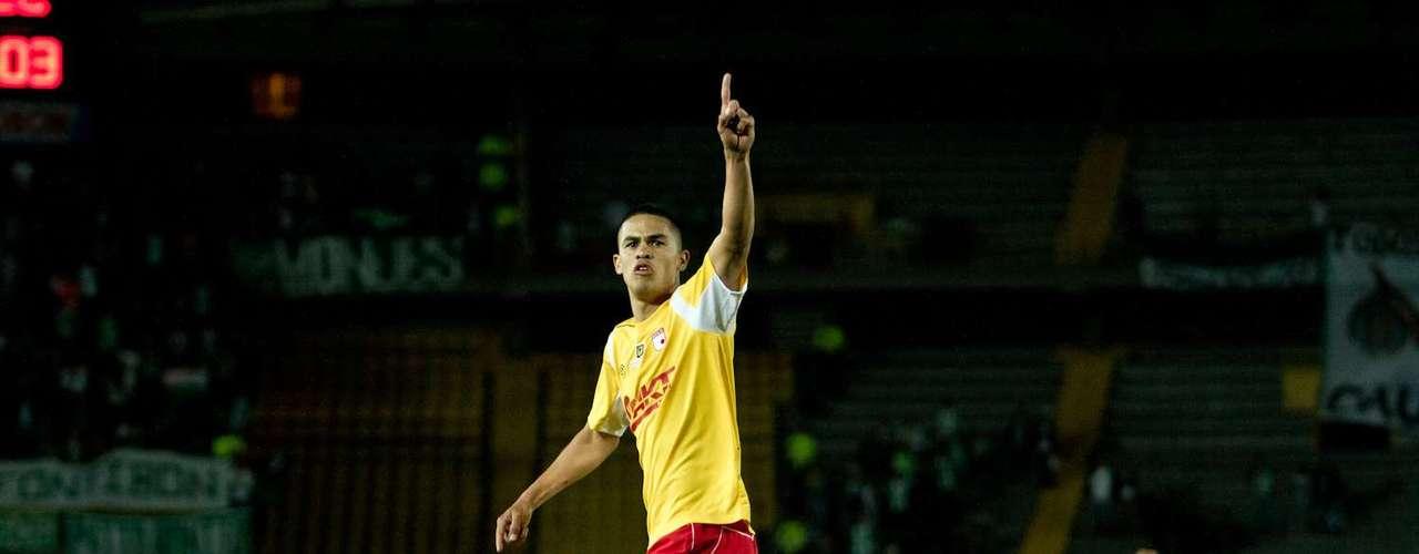Para la segunda parte Santa Fe salió a buscar el empate, y lo consiguió al minuto 58, con gol de Anchico, tras pase de Omar Pérez.