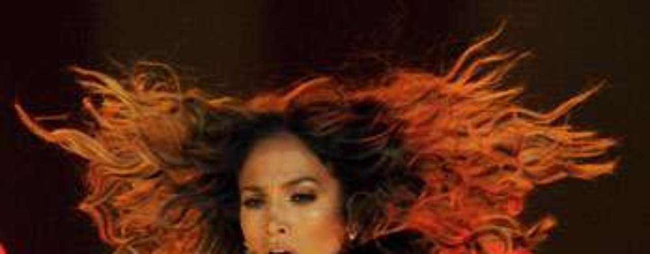 Jennifer López no se cansó de irradiar sensualidad durante el espectáculo.