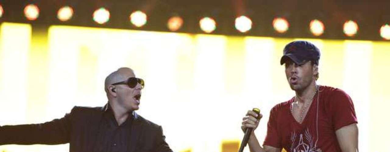 Luego de compartir con la ex esposa de Marc Anthony, Pitbull acompañó a Enrique Iglesias.