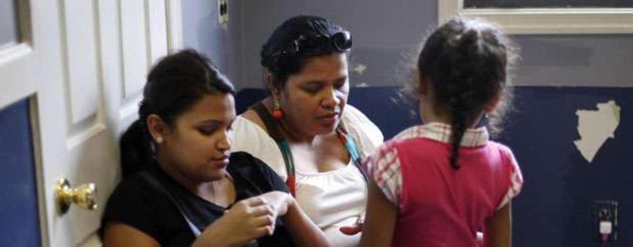 NO VÁLIDO PARA FAMILIARES INMEDIATOS: El nuevo proceso está disponible sólo para aquellos que satisfagan los criterios de elegibilidad. No se extiende ni a familiares inmediatos o dependientes.