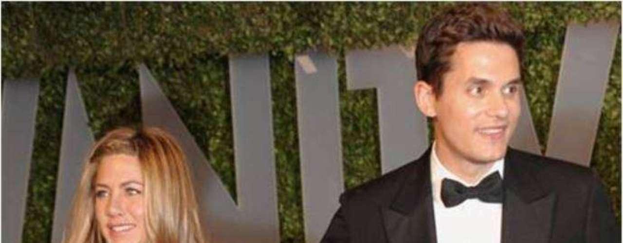 John Mayer -2008. El cotizado cantante sorprendió cuando fue visto, en repetidas ocasiones, junto a la famosa actriz. Su época de novios duró unos cuantos meses pero debido a las constantes peleas e intentos de reconciliación fallidos decidieron darle fin a su relación. En el 2008 se dieron una nueva oportunidad como pareja, asistiendo a eventos como los Premios Oscar, pero finalmente Jennifer terminó con Mayer.