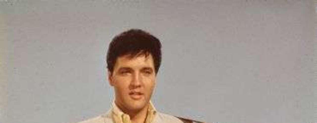 Elvis fue uno de los creadores del rockabilly, un estilo que consiste en la fusión de música country y rhythm and blues