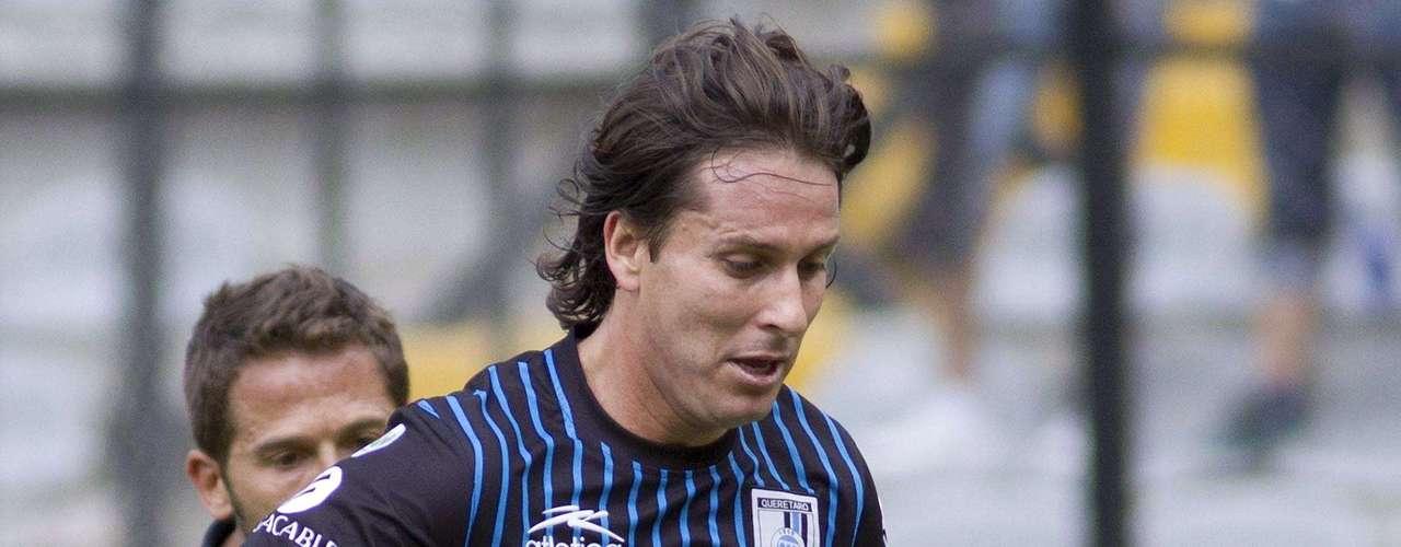 Daniel Alcántar tiene que ser el hombre de experiencia que de solidez a la defensa de Querétaro.