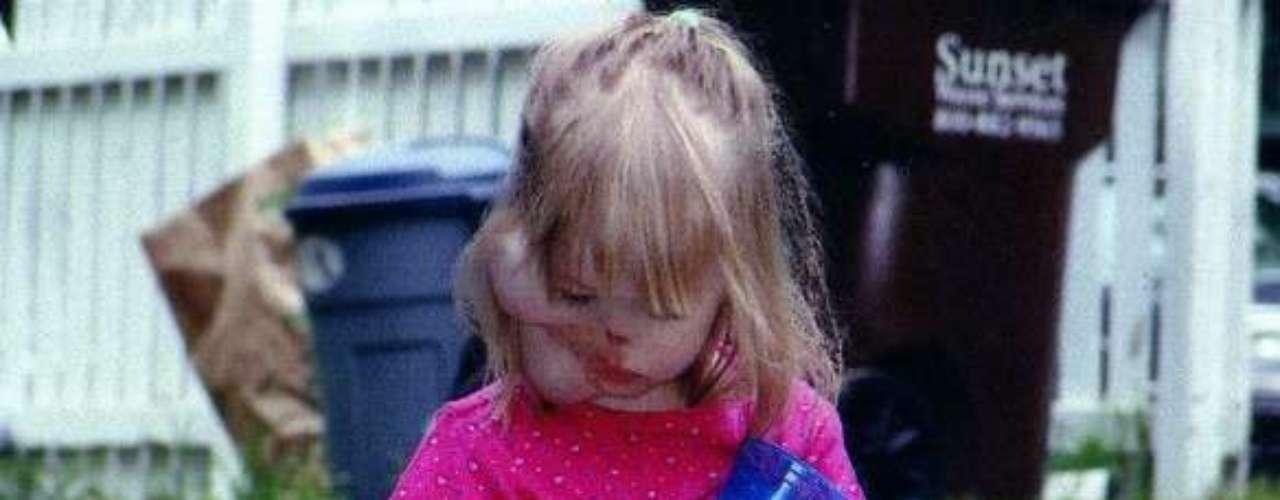 La pequeña Charlotte Ponce se ha tenido que someter a diferentes intervenciones tras el ataque del mapache.