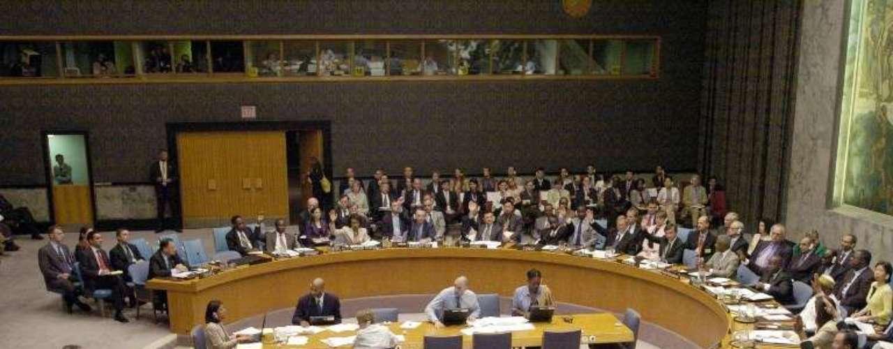 4 de octubre de 2011: Rusia y China vetan una resolución de condena a Siria en el Consejo de Seguridad de la ONU.