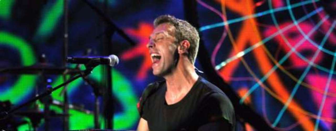 ¿'Every Teardrop is a Waterfall' o Ritmo de la Noche? Los miembros de Coldplay se vieron envueltos en temas jurídicos al ser acusados de plagiar la canción Ritmo de la Noche de los argentinos The Sacados en su tema Every Teardrop is a Waterfall.