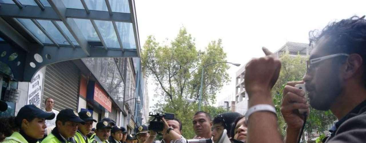 Además en las instalaciones de la Facultad de Filosofía y Letras de la Universidad Nacional Autónoma de México (UNAM), se realiza la octava asamblea general interuniversitaria (AGI), donde discuten el rumbo que debe tomar el colectivo una vez pasada la elección.