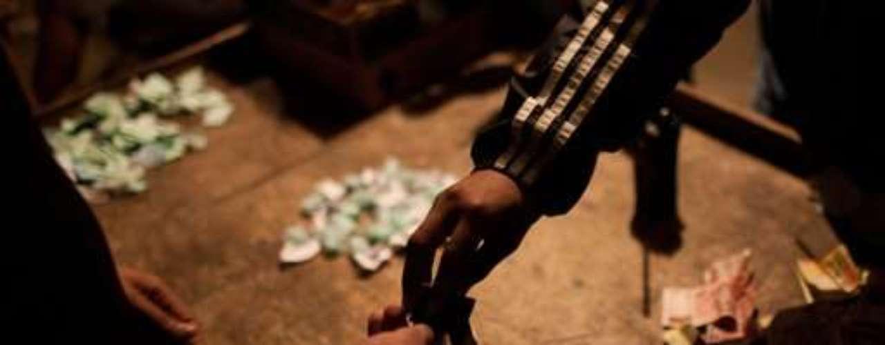 Ello implica renunciar a ganancias considerables. Según un cálculo de la Comisión de Seguridad de la cámara baja y de la Policía, los brasileños consumen entre 800 y 1.200 kilos de crack por día, valuados en 10 millones de dólares.