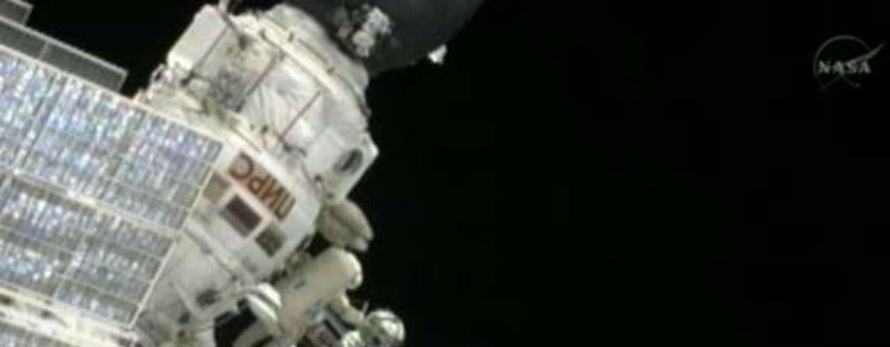 Ésta será la novena actividad extravehicular para Padalka, que cuenta en su brillante expediente con más de 27 horas de caminatas espaciales.
