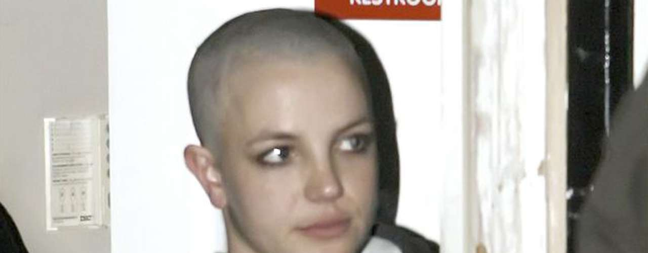 In 2007, she lost herself emotionally and her hair was the victim of one of these episodes.