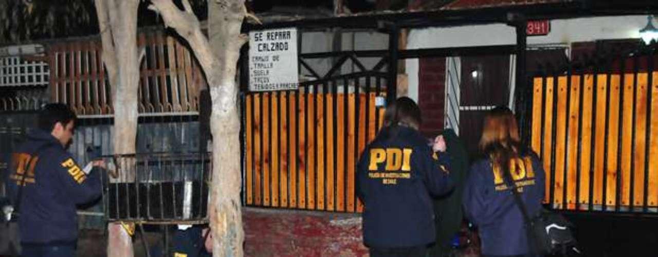 Un hombre de 56 años identificado como Manuel Parraguez resultó herido tras ser impactado por una \