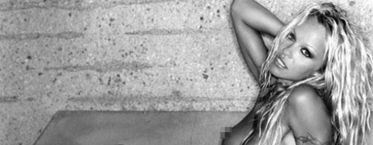 Sin pudor y orgullosa de su cuerpo, aceptó desnudarse otra vez para Playboy, en este caso, para su edición sudafricana.