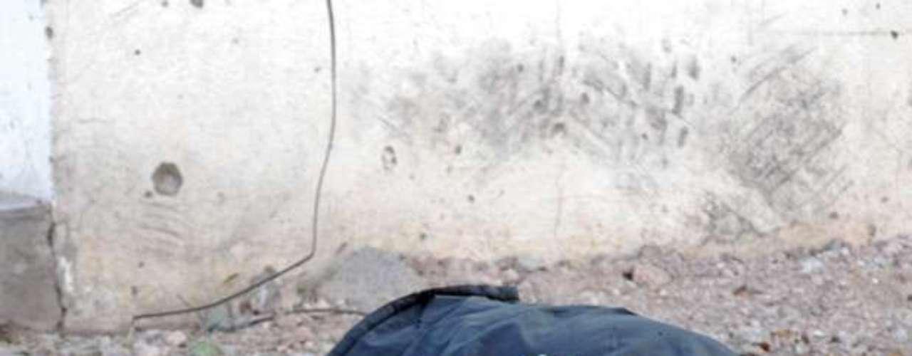 ENCOBIJADOS: Se ha vuelto muy común hallar a víctimas del narco envueltos en cobijas y atados de pies y manos. Los cadáveres se han hallado a la orilla de avenidas o en el interior de vehículos.