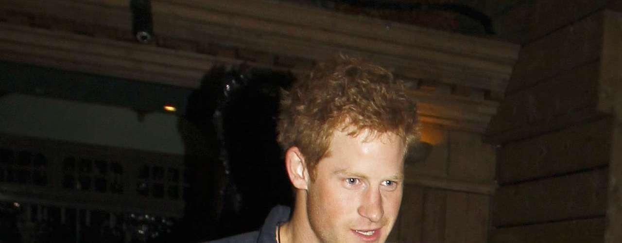 Las imágenes del príncipe Enrique de Inglaterra desnudo han revolucionado la Red tras ser publicadas en TMZ.com.