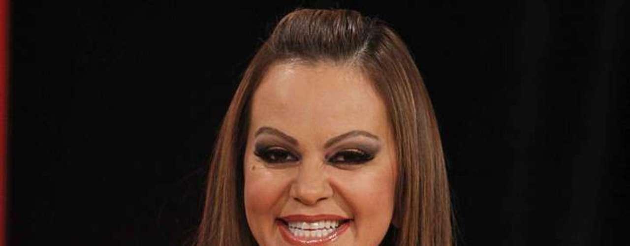 Jenni Rivera está presente en 'La Voz... México 2' para atrapar al público seguidor de la música regional.