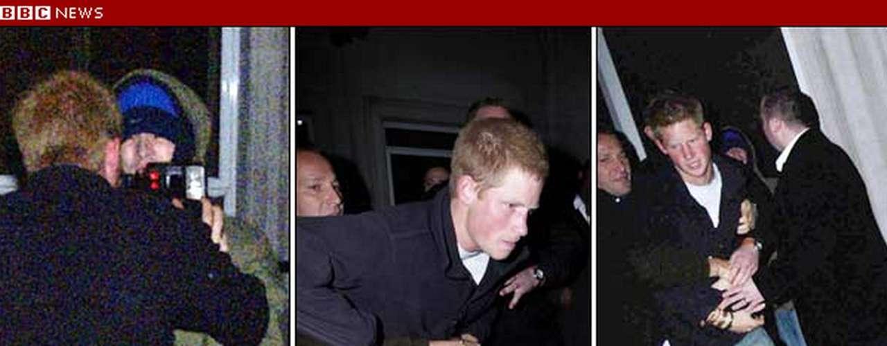 En octubre de 2004, el Príncipe Enrique se vio envuelto en una riña con un fotógrafo a las afueras de un club londinense. En el incidente el joven príncipe fue golpeado con una cámara y él reaccionó empujando al fotógrafo, quien a su vez terminó con el labio roto.