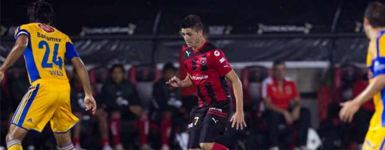 Diego Calvo scored the first goal of the match Alajuelense.