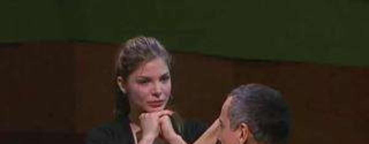 Durante una clase de actuación, Angélica confesó la dura experiencia que sufrió hace varios años. La mujer le contó a sus compañeros  que para ella era muy difícil realizar ese ejercicio actoral ya que en  2007 perdió a su hijo tras dos días de nacido. \