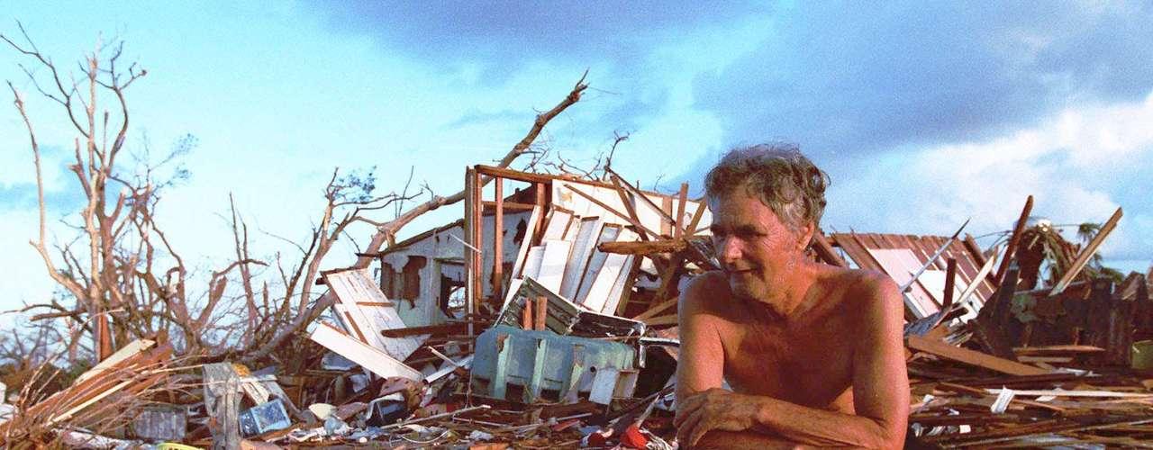 Este viernes 24 de agosto de 2012 se cumplen 20 años del paso del huracán Andrew por Florida. Pero, este fenómeno atmosférico no solo hizo estragos en este estado, sino que fue uno de los huracanes más devastadores de la historia.