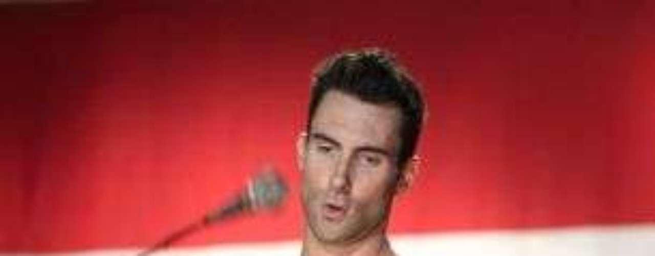 La provocadora anatomía de Adam Levine lo hizo destacar en un reciente conteo que realizó Billboard, para escoger a las figuras masculinas del pop más divinas de la actualidad.
