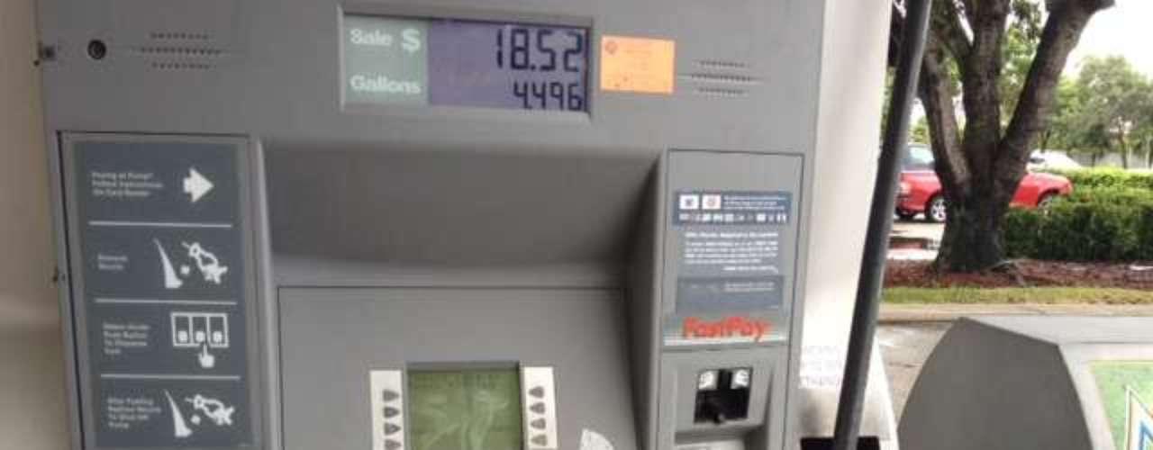 Incluso el servicio de gasolina ya fue cortado en varias estaciones de servicio en el sur del estado de Florida