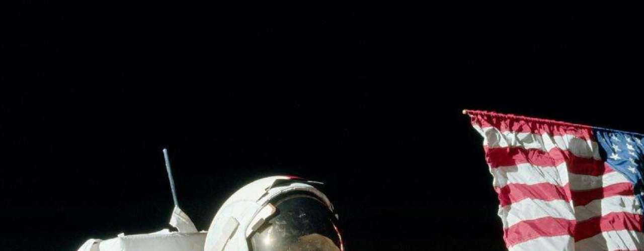 Eugene A. Cernan. Apolo 17, 1972. Nacido en 1934.