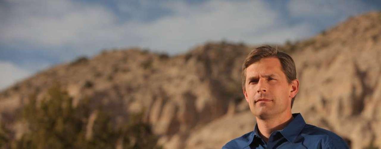 Martin Heinrich es congresista demócrata por Nuevo México desde 2009 y ese mismo año, fue elegido como la persona más apuesta del Capitolio por el periódico \