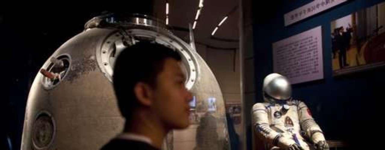China se enfrenta con éxito a desafíos cada vez más técnicos y recupera su retraso ante Rusia y Estados Unidos en el ámbito de los vuelos espaciales habitados.