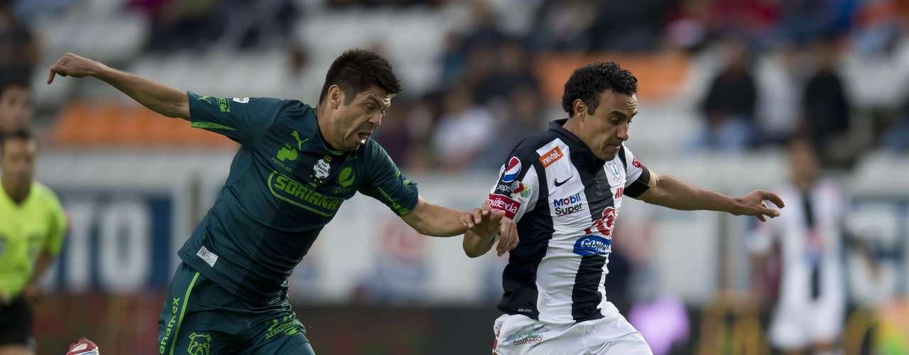 De a poco, parece que Leobardo López va recuperando el gran nivel que lo mantuvo como titular en la Selección durante la época de Sven-Göran Eriksson. En esta temporada se ha visto mucho más sólido que el refuerzo Paulo da Silva.