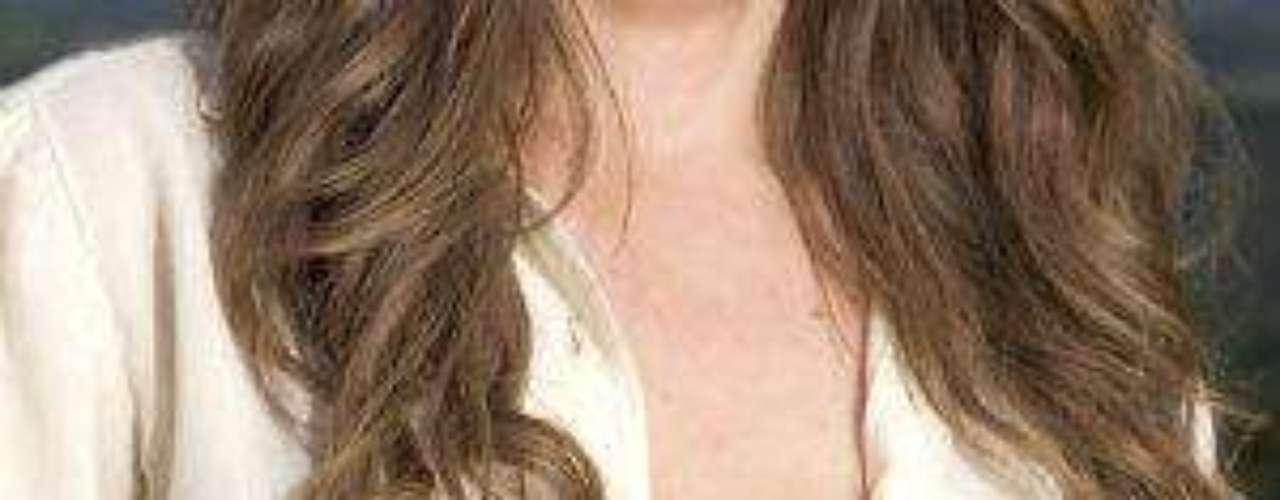 Síguenos en  TwitterLos 50 rostros más bellos de las telenovelasEstrellas de novela que se han desnudado en Playboy¿Triste realidad? Las estrellas sin maquillajeLluvia de bombones en estreno de 'El Rostro De La Venganza'