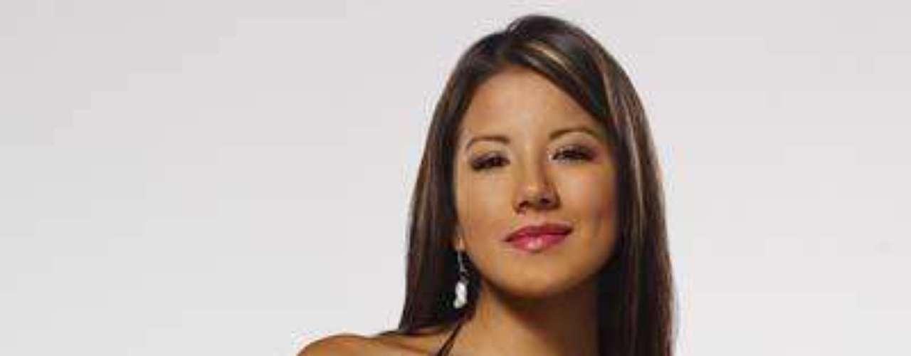 Katherine fue la encargada -en la misma telenovela en la que participó Amparo Grisales-, de adueñarse del amor (y la plata) del 'duro' Braulio Bermúdez. Aunque en la realidad... las dos tienen con qué conquistar al que sea.Síguenos en Facebook - Twitter