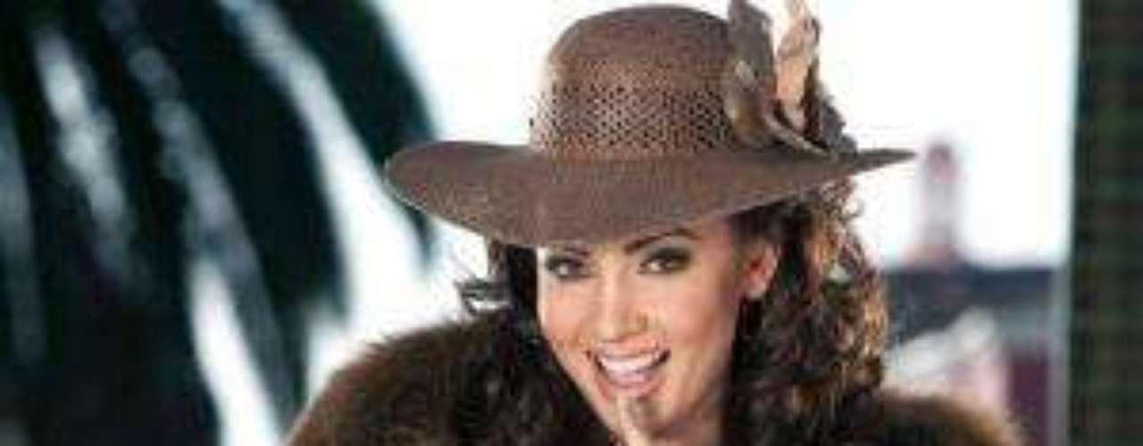 La actriz que interpretó a Zorayda en 'Zacatillo, un lugar en tu corazón', quiso también dejar lugar a la imaginación de los caballeros.  A Paty siempre le ha gustado ser muy, muy sexy!Síguenos en Facebook - Twitter