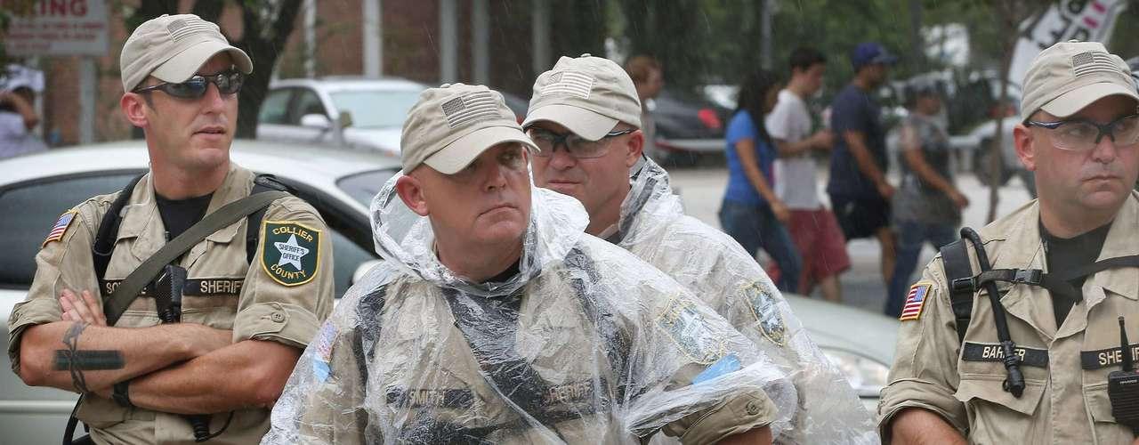 $518,460  Gasto de la Policía en cámaras de gas y equipo para los agentes que custodian el evento.