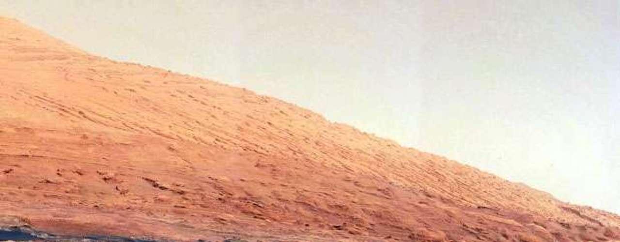 Según explicó el mismo Bolden en la cinta, la agencia espera obtener importante información a través del análisis del cráter Gale, que será clave para conocer si Marte fue o será apto para albergar vida.