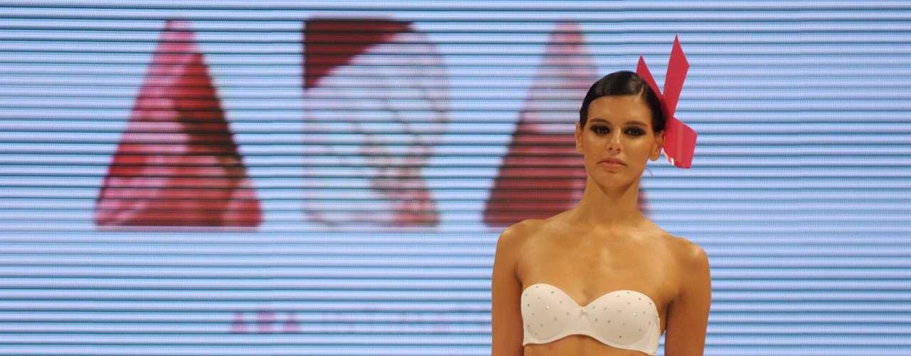 Ara Intimates, la línea de ropa interior firmada por Araceli González, en la 37º edición del BAAM Primavera Verano 2012/2013
