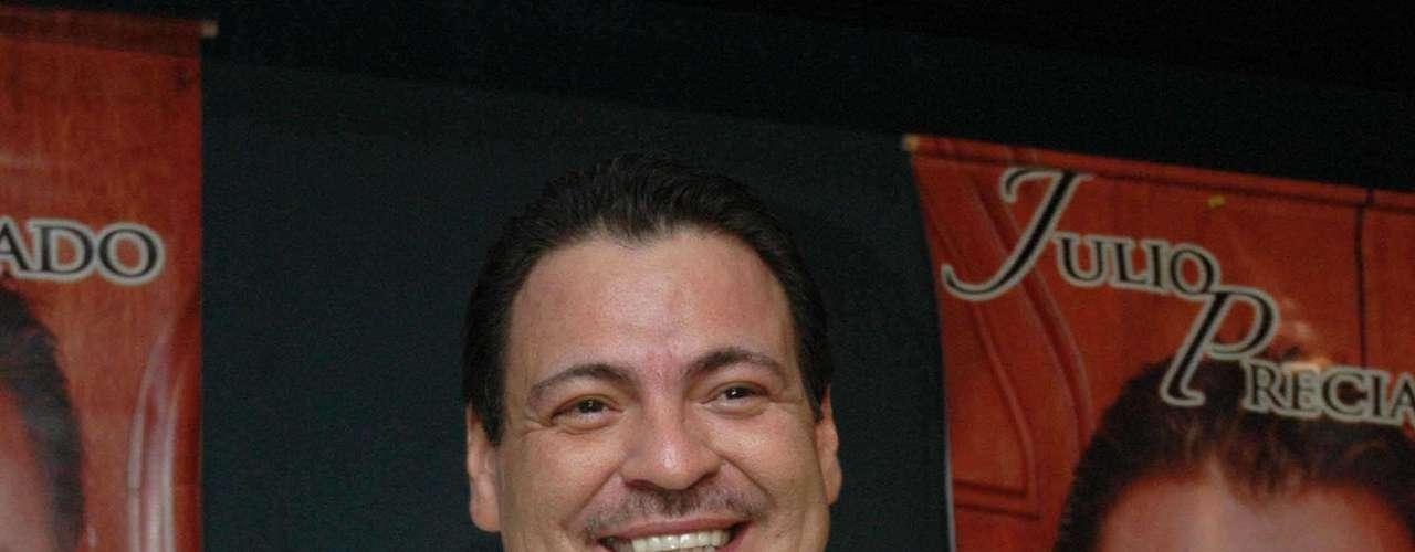 Julio Preciado aseguró, ante la violencia en el género grupero, que su éxito musical se basa en la decisión que tomó hace algunos años de no cantar corridos y mantenerse al margen del también llamado \