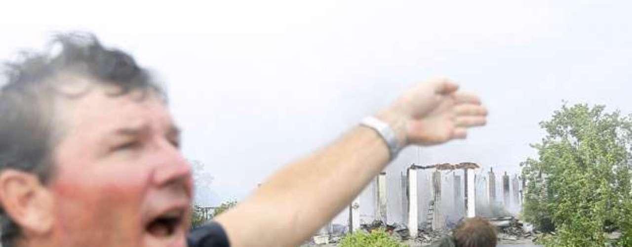 Ed Rappaport, subdirector del Centro Nacional de Huracanes, informó que el vórtice del huracán pasará al oeste de Nueva Orleáns con vientos cercanos a los 128 kph (80 mph) y en dirección a Baton Rouge. Agregó que con esta trayectoria, el meteoro eventualmente perderá fuerza.