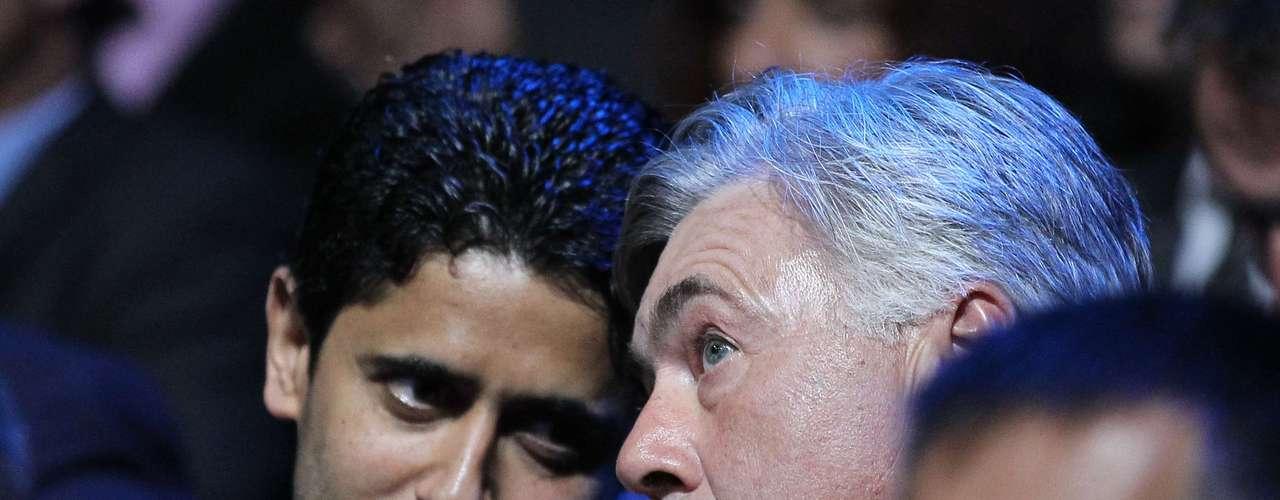 El entrenador italiano Carlo Ancceloti reaccina al conocer que su equipo, Paris Saint-Germain, fue instalado en el grupo A