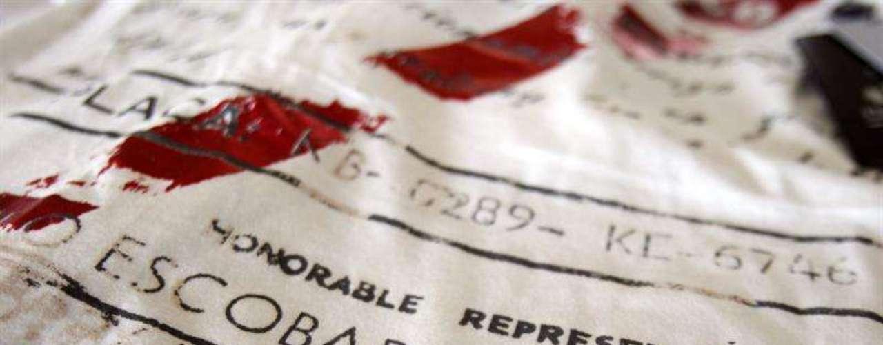 Escobar Henao ya ha producido 10.000 camisetas, que se venden en Internet y en tiendas de Estados Unidos, México, Guatemala, Ecuador, España y Austria, por precios que oscilan los 60 y los 95 dólares, mientras que también tiene una línea de pantalones vaqueros por 140 dólares.