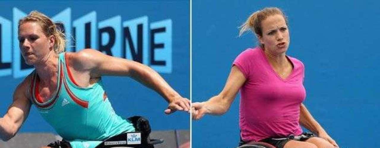En los dobles femeninos del tenis en silla de ruedas, las holandesas dominan. Esther Vergeer (izq) actua con Marjolein Buis y busca su cuarto título. Sin embargo, para eso, tendrá que superar a sus compatriotoas Jiske Griffioen (der) y Aniek van Koot, que ganaron los últimos dos partidos en que se enfrentaron.