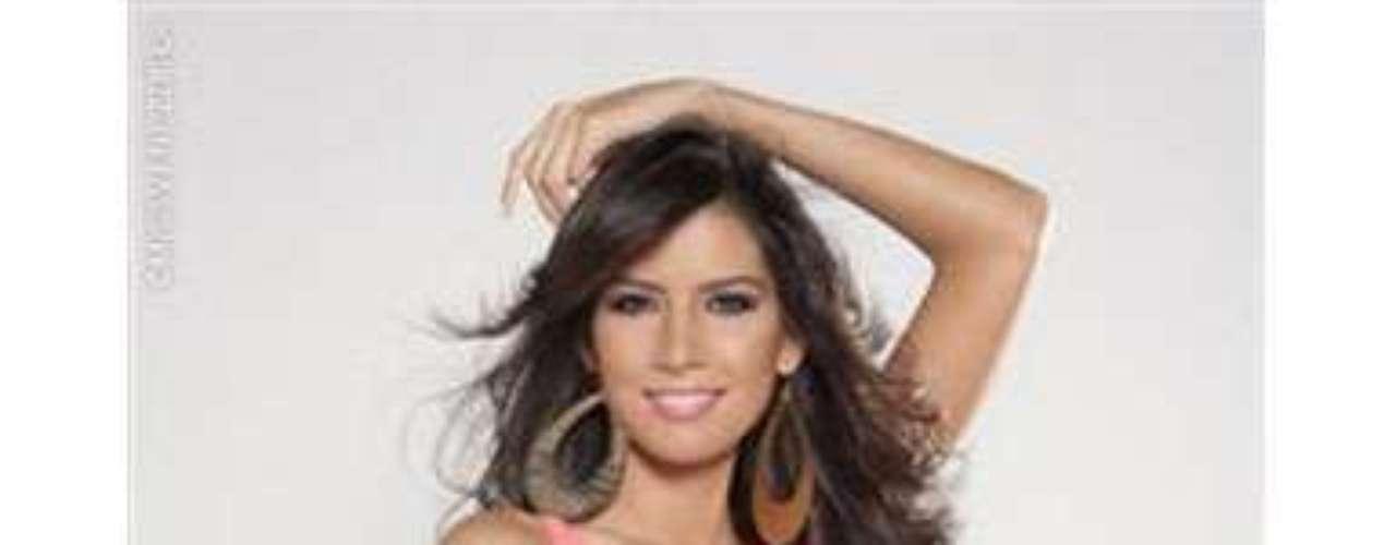 Miss Portuguesa. Ella es Fabiola Castillo, tiene 23 años de edad, mide 1.75 metros de estatura y es Licenciada en Comunicación Social con mención Audiovisual.