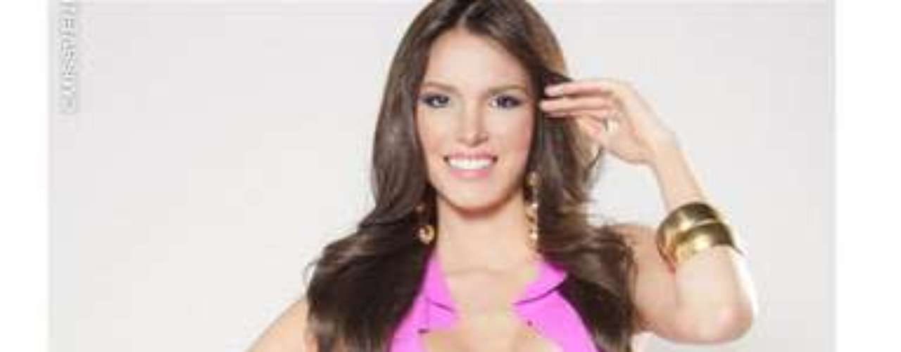 Miss Táchira. Ella es Ivanna Vale, tiene 20 años de edad, mide 1.75 metros de estatura y estudia tercer semestre de Diseño Gráfico.
