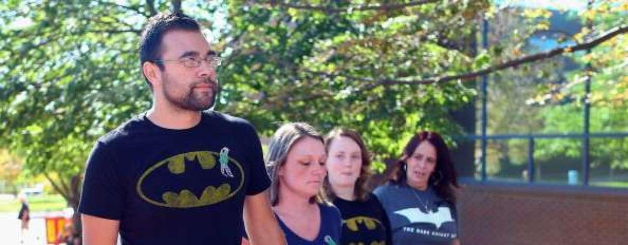 Holmes, un ex estudiante de doctorado en neurociencia, está acusado de abrir fuego el 20 de julio durante una exhibición de medianoche de la nueva película de Batman \