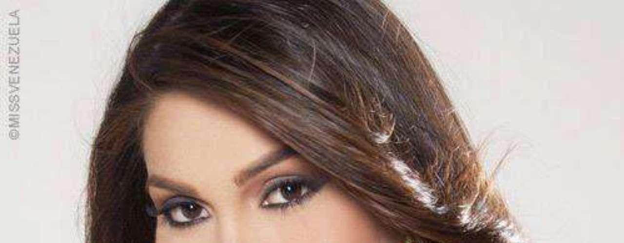 Es modelo y ahora debuta como reina de belleza tras ser la ganadora del título Miss Venezuela 2012 galardón que le da el derecho de representar a su país en el certamen de Miss Universo 2013.