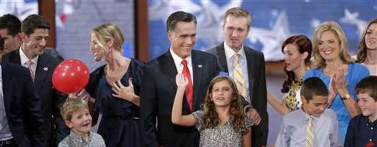 La familia de los dos candidatos estuvo presente en el cierre de la convención republicana en Tampa, Florida