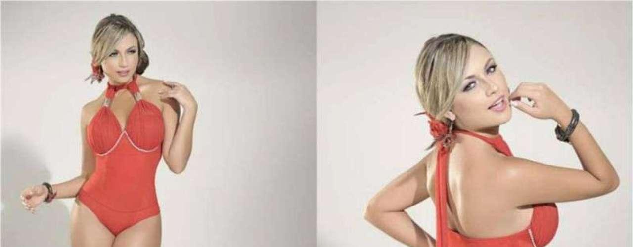 Sara ha trabajado en varias campañas publicitarias, en las que dice que explota el don de la belleza más no su cuerpo.