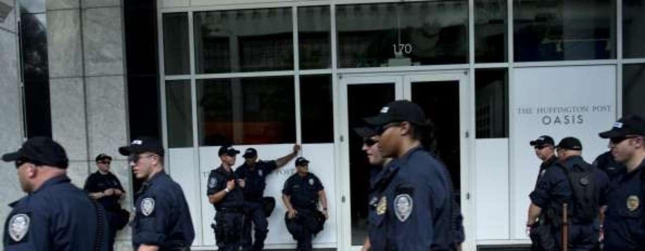 Los cerca de 80 grupos que componen la Coalición para Marchar por Wall Street Sur realizó el domingo una marcha de 5 kilómetros que tenía como objetivo destacar a Charlotte como el segundo mayor centro financiero de Estados Unidos, sólo superado por Nueva York.