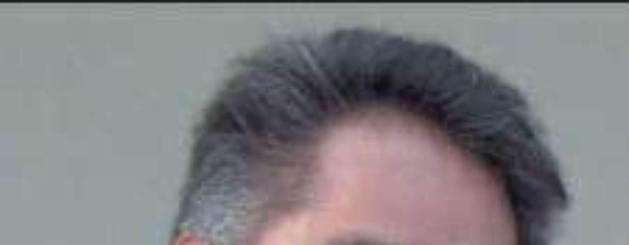 El periodista Ángel Castillo Corona, columnista de Portal, diario del estado de México, fue brutalmente asesinado la madrugada el domingo 3 de julio de 2011 en las inmediaciones del municipio de Tianguistenco.Según la versión policiaca contenida en la carpeta de investigación 120130550083111, Castillo Corona viajaba con su hijo Ángel Castillo Téllez, de 16 años, por la carretera México-Santiago-Chalma alrededor de las 3:30 de la madrugada cuando apróximadamente en el kilómetro 12 fue víctima de un asalto, para despojarlo de su automóvil.